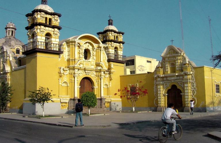 pisco_town